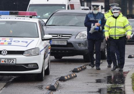 Poliţiştii din Bihor, avertisment de sărbători: Păstraţi distanţa socială. Anul acesta nu mergeţi la cimitir de Paştele Morţilor!