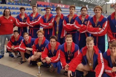 Poloiștii de la CS Crișul, vicecampioni naționali la juniori II