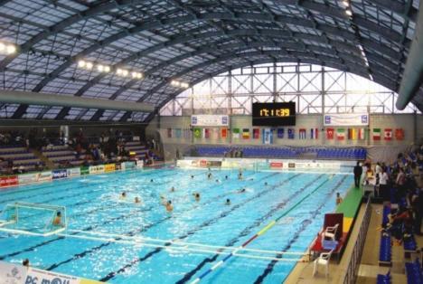 Bazinul Olimpic găzduiește în weekend derby-ul local la polo, între CSM Digi și Crișul