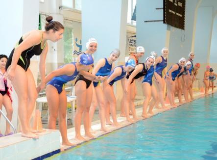 Bazinul Crişul găzduieşte al doilea turneu al Cupei României la polo pe apă feminin