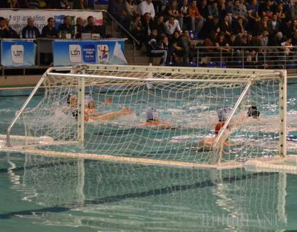 CSM Oradea a învins cu 11-8 formaţia Corona Sportul Studenţesc şi s-a calificat din nou în finala Superligii Naţionale de polo