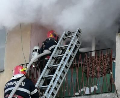 Incendiu într-un bloc din Oradea, după ce un televizor a explodat!