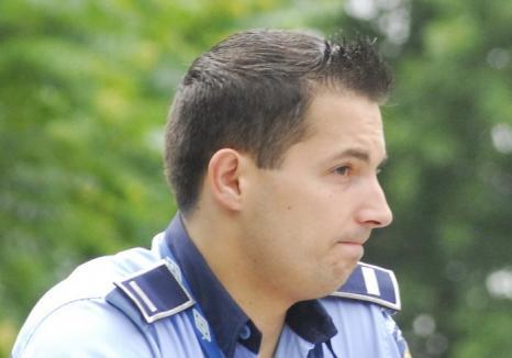 Un agent care a agresat un orădean, chiar în sediul Poliţiei, a încasat o pedeapsă de 3 luni de închisoare cu amânare