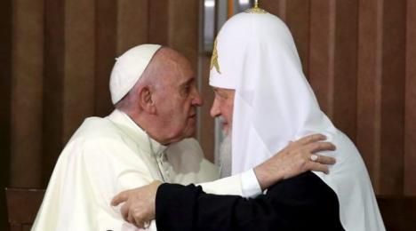 Întâlnire istorică: Papa Francisc şi Patriarhul Kiril au transmis un mesaj comun