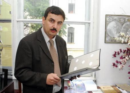 Maşină pentru şefu': Cum fentează regula lui Bolojan directorul adjunct de la Patrimoniu