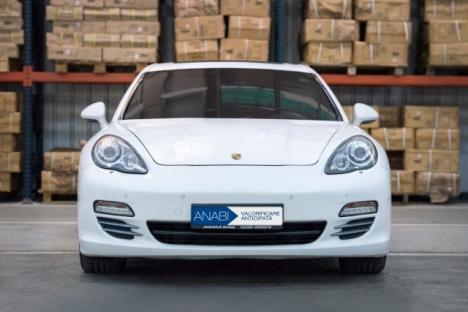 Vrei un Porsche Panamera? Bunurile confiscate de la românii condamnaţi la închisoare, licitate pe un site al Ministerului Justiţiei