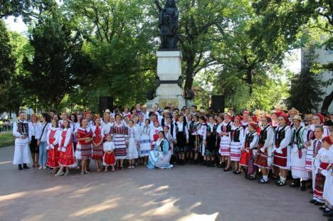 Ziua Naţională a portului popular, sărbătorită la Beiuş