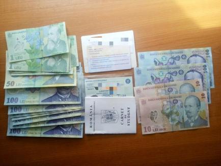 Avocaţii şi jandarmii fac echipă bună: O studentă şi-a recăpătat portofelul pierdut lângă Palatul de Justiţie din Oradea