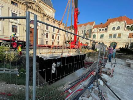 Două posturi trafo de câte 40 de tone au fost montate în Piața Ferdinand din Oradea (FOTO / VIDEO)
