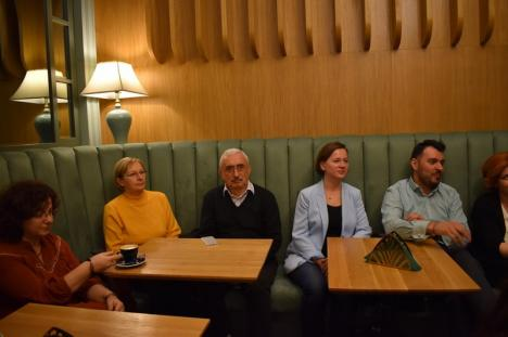 Povestea continuă: A fost lansat al doilea album dedicat palatelor din Oradea (FOTO)