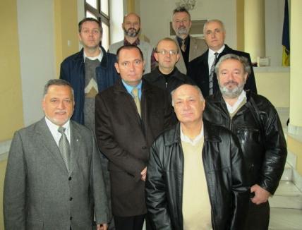 PDL-iştii şi PPMT-iştii şi-au depus candidaturile pe furiş (FOTO)