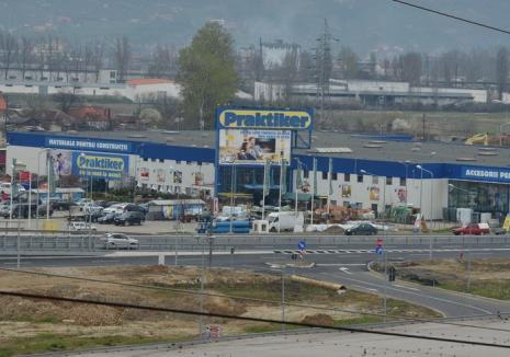 Incendiu la magazinul Praktiker din Oradea
