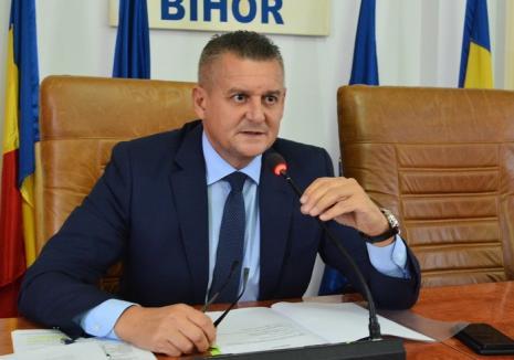 """Prefectul se bagă în """"dosarul Nutripork"""": Mihaiu cere APM ca la reautorizarea fermei să respecte legislaţia naţională şi normele UE"""