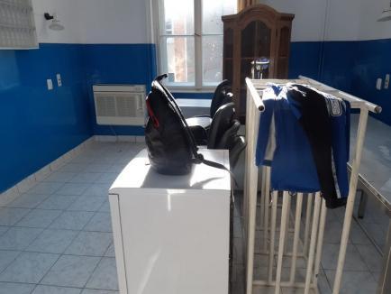Pregătiri pentru al doilea laborator de testare COVID-19 în Oradea. Va funcţiona într-o clădire din curtea Maternităţii, cu circuite separate (FOTO)