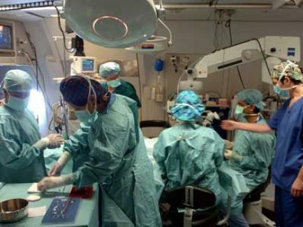 Coincidenţă stranie: Doi donatori în moarte cerebrală, de aceeaşi vârstă şi care sufereau de aceeaşi boală, vor salva 5 vieţi