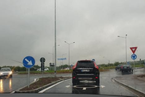 """""""Mulțumim, Bolojan!"""". Aglomeraţie pe drumul rapid, în ziua în care a fost dată în folosinţă ultima porţiune (FOTO / VIDEO)"""