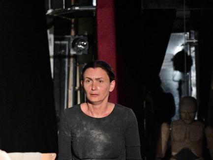 'Șarpele în iarbă': Premieră a trupei Iosif Vulcan transmisă online. Cum poţi să o vezi (FOTO / VIDEO)