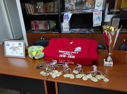 ACSSlovan Valea Cerului a fost premiată pentru câştigarea campionatului Ligii a V-a, Seria I