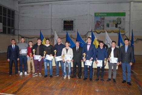 CSS LPS Bihorul şi-a premiat laureaţii: Judoka Vlad Luncan, cel mai bun sportiv al clubului în 2015