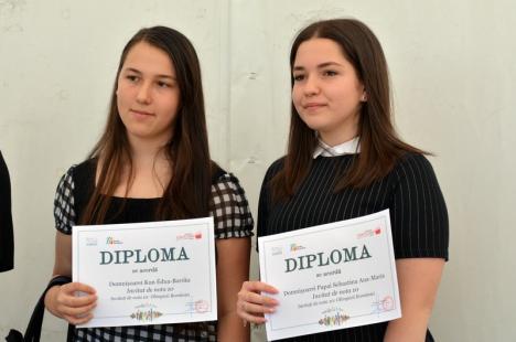 Elevi orădeni câştigători la olimpiade internaţionale, premiaţi la târgul Gaudeamus (FOTO)