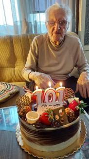 Premiu aniversar pentru un veteran de război de 101 ani din Oradea (FOTO)