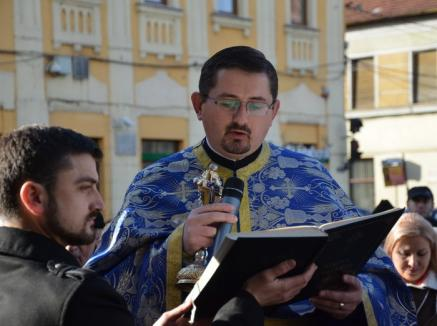 Episcopia Ortodoxă reacţionează: Preotul Ovidiu Pop de la Biserica cu Lună a fost oprit de la slujire