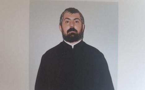 Scandal în Biserica Ortodoxă: un preot este acuzat că a convins o fetiță de 13 ani să se filmeze în ipostaze sexuale explicite