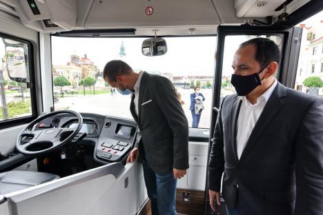 Primul autobuz electric produs în România intră în probe la Oradea (FOTO / VIDEO)
