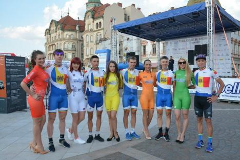 Orădenii au făcut cunoştinţă cu echipele prezente la Turul Ciclist al Bihorului (FOTO)