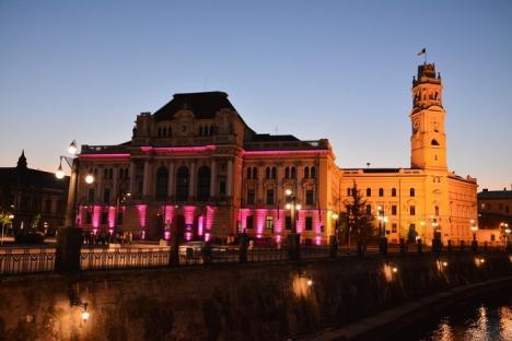 Primăria Oradea a devenit roz, de Ziua mondială a cancerului la sân (FOTO)