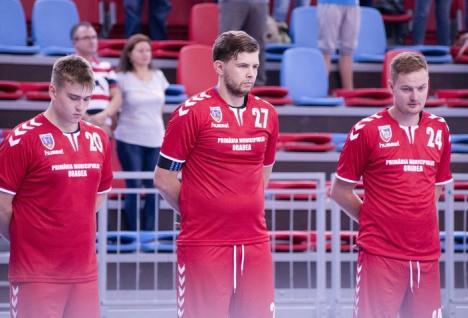 Handbaliştii de la CSM Oradea au debutat cu o victorie la cinci goluri în noul sezon oficial (FOTO)