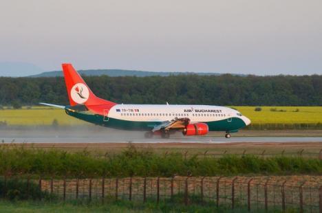 'Pârtie' deschisă: Pe Aeroportul Oradea a aterizat cel dintâi Boeing de tip mare, care a adus primii 147 turişti din Israel (FOTO / VIDEO)