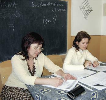 Lecţia de demnitate: profesorii protestează donându-şi salariul