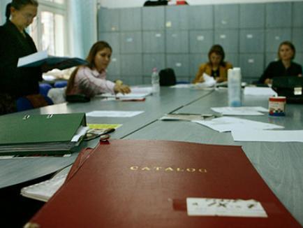 Sindicaliştii din învăţământ ameninţă cu blocarea anului şcolar