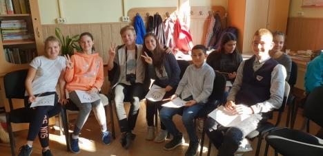 'Descoperă. Învaţă. Acţionează': Elevii din satele Bihorului află cum învăţământul profesional le asigură o carieră (FOTO)