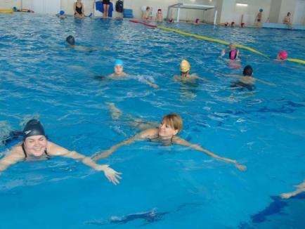 Majorete, înot, polo, rafting şi alte sporturi la Liceul Teoretic 'Lucian Blaga' din Oradea, în cadrul Proiectului Erasmus+ 'Inclusion by Sports' (FOTO)