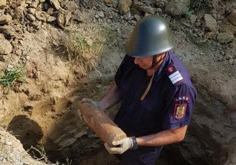 Proiectil din al Doilea Război Mondial, găsit într-o curte din Beiuş