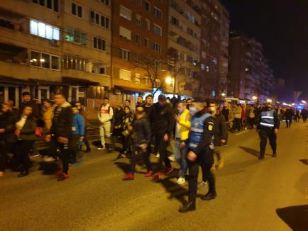 Protest în Oradea. Peste 2.000 de persoane, între care și luptătorul Sandu Lungu, cer ridicarea restricţiilor anti-Covid (FOTO / VIDEO)