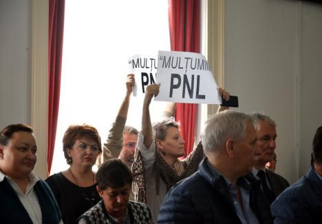 Se lasă cu scandal! Angajaţii din subordinea Consiliului Judeţean vor protesta la şedinţa de miercuri cerându-şi salariile