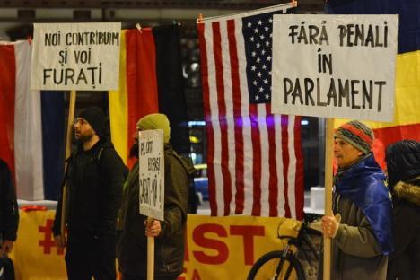 Orădenii, chemaţi din nou la protest 'pentru o luptă paşnică a României cinstite cu hoţia'