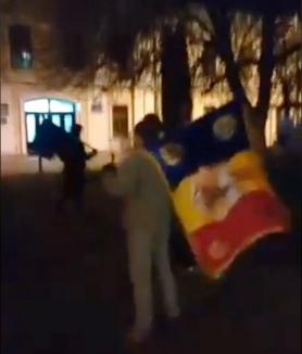 Legile Justiţiei i-au scos pe orădeni din nou în stradă: Protest în faţa Prefecturii (VIDEO)