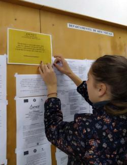 'Căldura nu e o opţiune': Studenţii de la Design au intrat în grevă, acuzând că sunt obligaţi să înveţe în frig