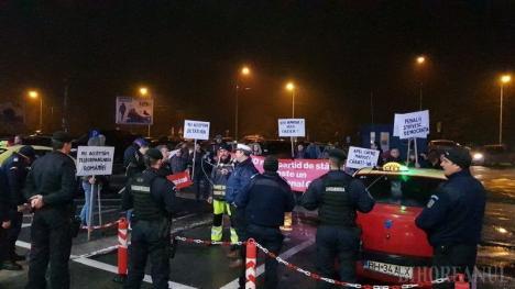 Răzbunarea Partidului: Protestatarii de la Oradea Civică, amendă uriaşă din partea Jandarmeriei Bihor pentru scandările anti-PSD de la Aeroport şi din Sânmartin