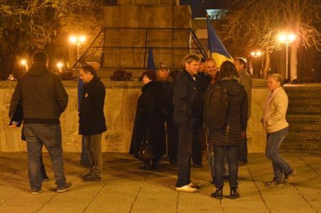 30 de orădeni au protestat împotriva guvernului şi pentru susţinerea valorilor europene (FOTO / VIDEO)