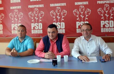 PSD-iştii din Consiliul Local, supăraţi că Primăria nu vrea să dea burse elevilor şi scumpeşte parcările