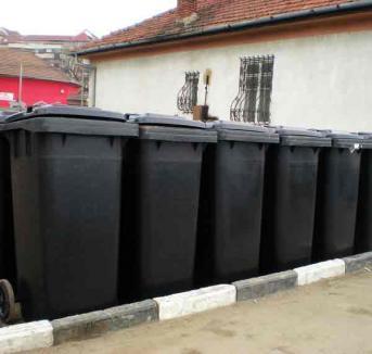 RER înseriază pubelele şi containerele