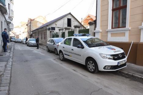 Pui de Lele: Fostul procuror Alexandru Lele transformă cu forţa o stradă centrală din Oradea în propriul cartier (FOTO)