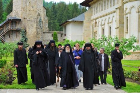 31 de călugări de la Mănăstirea Putna, între care şi stareţul, diagnosticaţi cu Covid-19