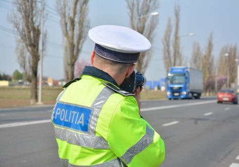Un bărbat din Bihor a fost prins gonind la volanul unui Volkswagen cu 173 de km/h. A rămas fără permis