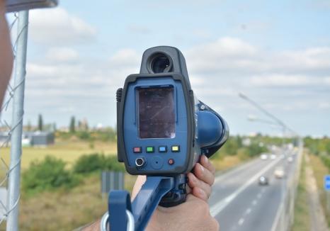 Pistolul radar a intrat în acţiune: Şoferului unui BMW prins în Topa de Criş cu 114 km/oră a rămas fără permis pentru 3 luni